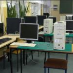 8 pracowni komputerowych 4